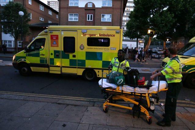 """Incendio Londra, sale a 17 il numero delle vittime: """"Bilancio destinato a crescere"""""""