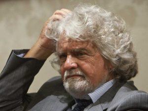 """Grillo boccia l'asse con la Lega Nord: """"Il MoVimento non si allea con nessuno"""""""