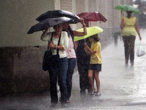 Meteo, inizio di settimana all'insegna del maltempo: piogge diffuse su tutta l'Italia