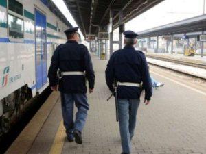 Pisa, cadavere scoperto sui binari della stazione: traffico