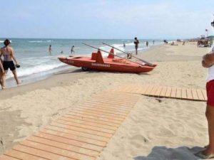 Catania, bimbo di 6 anni annegato in mare: è stato travolto dalle onde