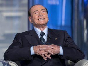 """La proposta di Berlusconi: """"Reddito di dignità per chi guadagna meno di mille euro al mese"""""""