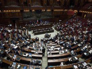 Aboliti i vitalizi, Camera approva legge Richetti: dopo lo scontro regge asse Pd-M5s