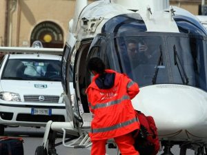 Cuneo, scende dallo scuolabus e viene travolto: morto bimbo