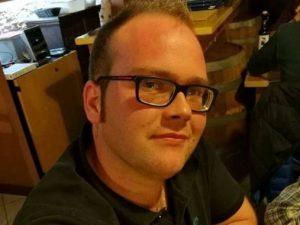 Modena, cade dalla moto e viene travolto e ucciso da un altro mezzo: Gianni aveva 24 anni