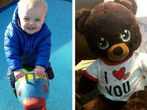 """L'appello di una mamma: """"Ho perso l'orsetto con la voce di mio figlio morto, aiutatemi"""""""