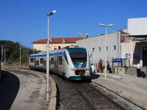 """Porto Torres, capotreno minacciata. Trenitalia """"Solo un diverbio verbale"""""""
