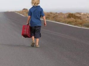 Firenze, bimbo di 5 anni scappa dall'asilo e nessuno se ne a