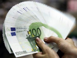 """Fmi promuove l'Italia e alza le stime del Pil in Ue: """"Ripresa meglio del previsto"""""""