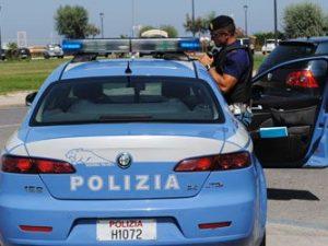 Bologna: uomo entra in casa della ex e sequestra il figlio d