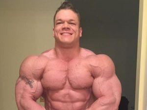 Un boccone gli va di traverso: muore il noto bodybuilder. Aveva 26 anni
