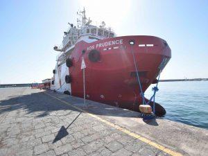 Migranti, Msf, Save the Children e Sea Eye sospendono i soccorsi nel Mediterraneo: troppi rischi