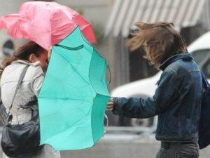 Previsioni meteo 3 dicembre |  in arrivo vento forte e brusco calo termico