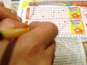 Superenalotto, torna il 6: vincitori in tutta Italia, l'elenco delle ricevitorie fortunate