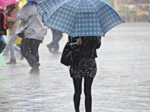 Meteo domenica: allerta meteo per temporali e nubifragi. Si abbassano le temperature