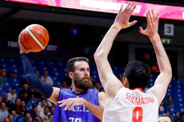 Il capitano azzurro Gigi Datome contro Shermadini @Getty Images
