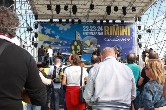 M5S a Rimini, stasera il nome del candidato premier. L'incognita Fico: parlerà dal palco?