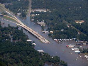 Usa: le vittime di Harvey salgono a 47, ora è allarme acqua contaminata