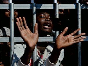 Il governo Conte vuole che gli stati europei aprano i porti per accogliere i migranti
