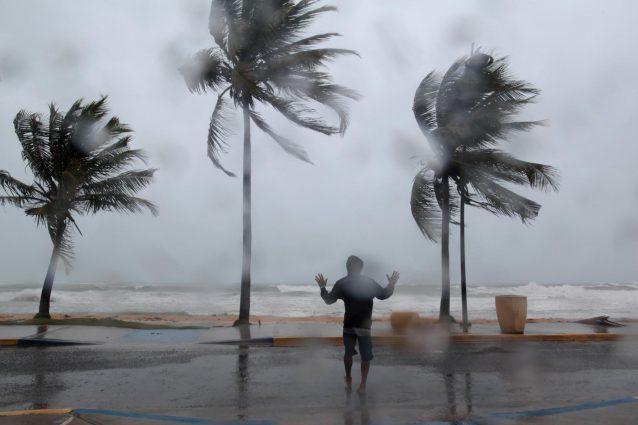 """Irma verso Miami, il governatore della Florida: """"Andate via, non si sopravvive"""""""