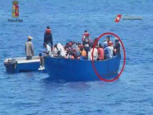 Migranti, la Cassazione conferma il sequestro della nave Iuventa