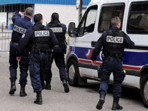 Spari tra la folla a Strasburgo, morti e feriti: evacuati mercatini di Natale