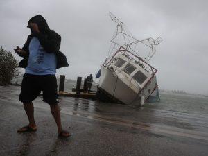Uragano Irma devasta la Florida, oltre 3 milioni al buio. Trump approva stato di disastro