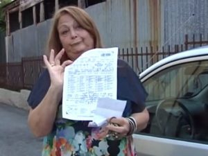 """Padova: """"Sono stata multata per non aver chiuso l'auto a chiave: 'È istigazione a delinquere'"""""""