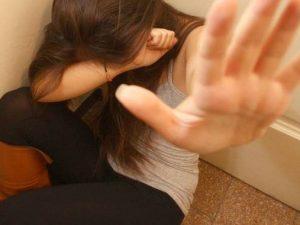 Violenza sessuale, calano le denunce in Italia, ma le donne vittime sono oltre un milione