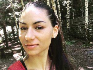 Ferrara. Cristina, 29 anni, si schianta in auto contro un camioncino: morta sul colpo