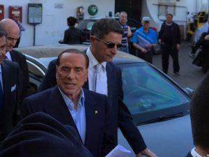 """La proposta di Berlusconi: """"Pensioni minime a mille euro, anche per le mamme"""""""
