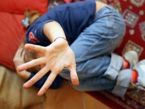 Potenza, abusata in casa da nonno e padre dall'età di 7 anni