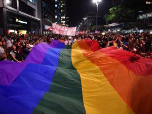 Italia rischia di perdere l'Agenzia europea del farmaco perché qui i gay hanno meno diritti