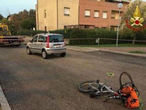 Medicina, travolto mentre è in sella alla sua bici: Davide muore a 11 anni