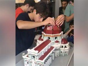 Firenze, a 17 anni ricostruisce la Cupola del Brunelleschi con i Lego: il primato di Giacinto