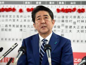 Giappone, Shinzo Abe vince le elezioni: il Sol Levante verso il riarmo per battere la Nord Corea