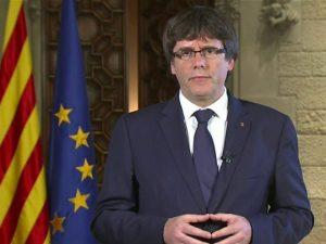 Catalogna, Puigdemont si consegna alla polizia belga: attesa per la decisione del giudice