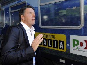 """Al via il tour in treno per l'Italia di Renzi: """"Nella prossima legislatura un altro Jobs Act"""""""