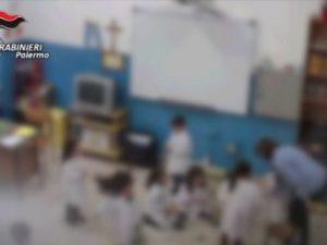 Corleone, schiaffi in testa e insulti ai bimbi della scuola materna: maestra sospesa