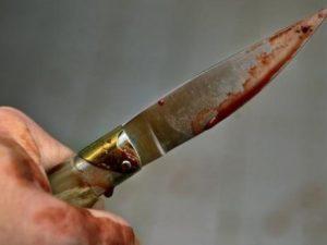 Ragazzo di 15 anni pugnalato venti volte nel cuore della not