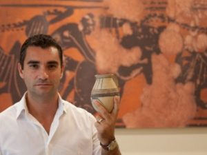 Sicilia, accusato di estorsione dai dipendenti: arrestato candidato M5s Fabrizio La Gaipa