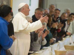 Il Papa invita a pranzo 4mila poveri per la giornata mondiale dedicata a loro