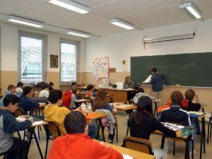 Scuola, il Miur ha proposto un aumento di soli 14 euro per i