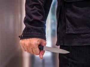 Trieste: novantenne uccide a coltellate il coinquilino nel s