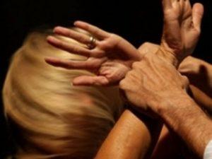 Violenza contro le donne, il governo pensa a un bollino ross