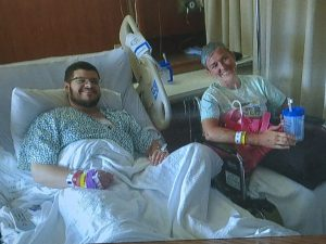 Dona il rene a uno sconosciuto dopo aver letto un suo post su Facebook
