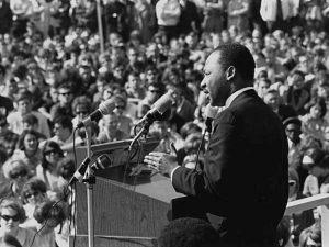 Martin Luther King viene assassinato il 4 aprile del 1968.
