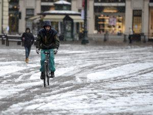 Meteo, inizia una settimana di forte maltempo: freddo e neve