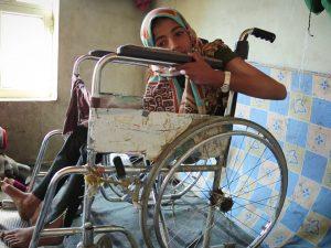 Noran la bimba rovinata dalle bombe: aiutatemi fermate la guerra