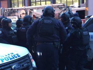 La polizia conferma l'esplosione a Manhattan: arrestato un uomo, è ferito